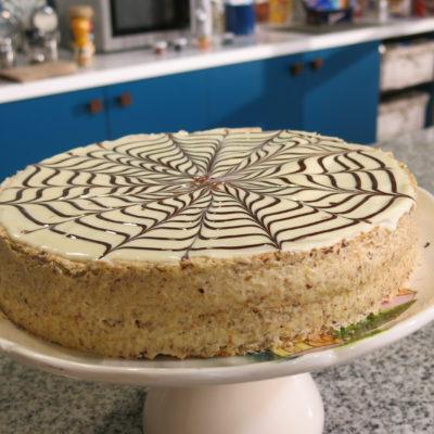 16-sa-slatkim-na-ti-esterhazi-torta-1