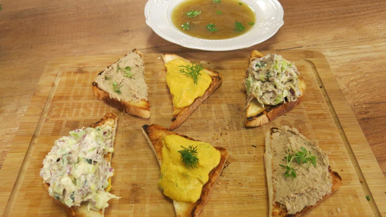 Domaća nedeljna žuta supa i namazi od piletine, junetine i povrća