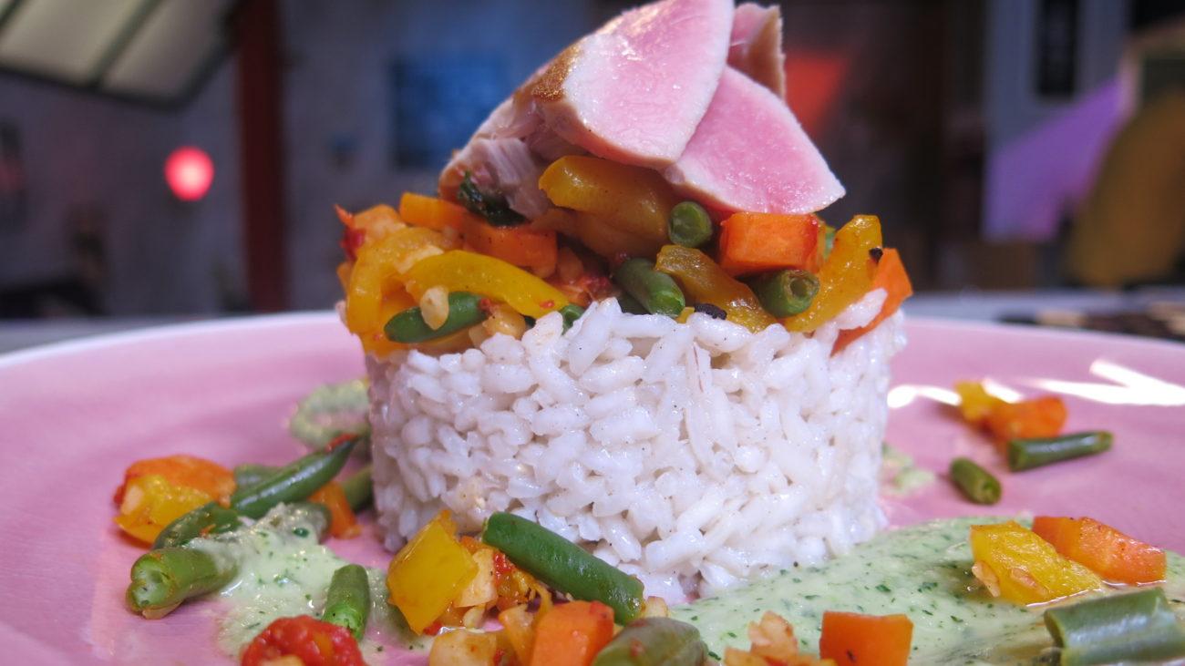 Tuna salata sa pirinčem, boranijom i celerom
