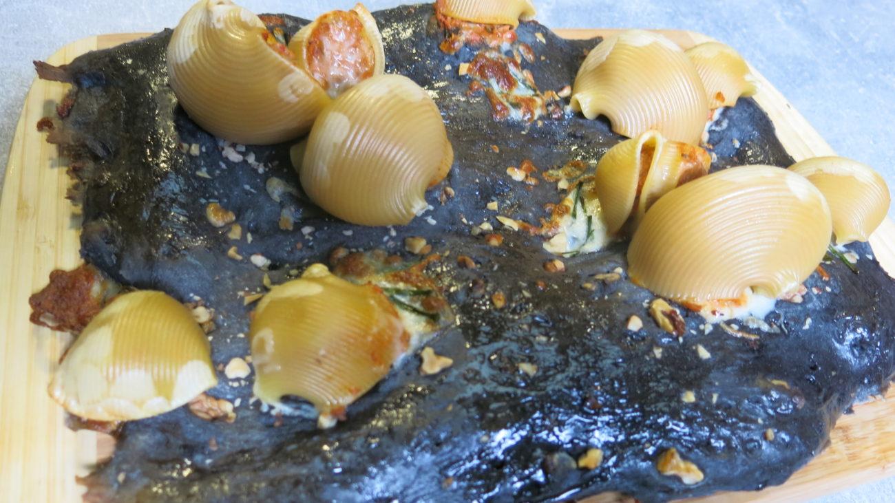 Školjke od testa sa sirom i junetinom u tako sosu