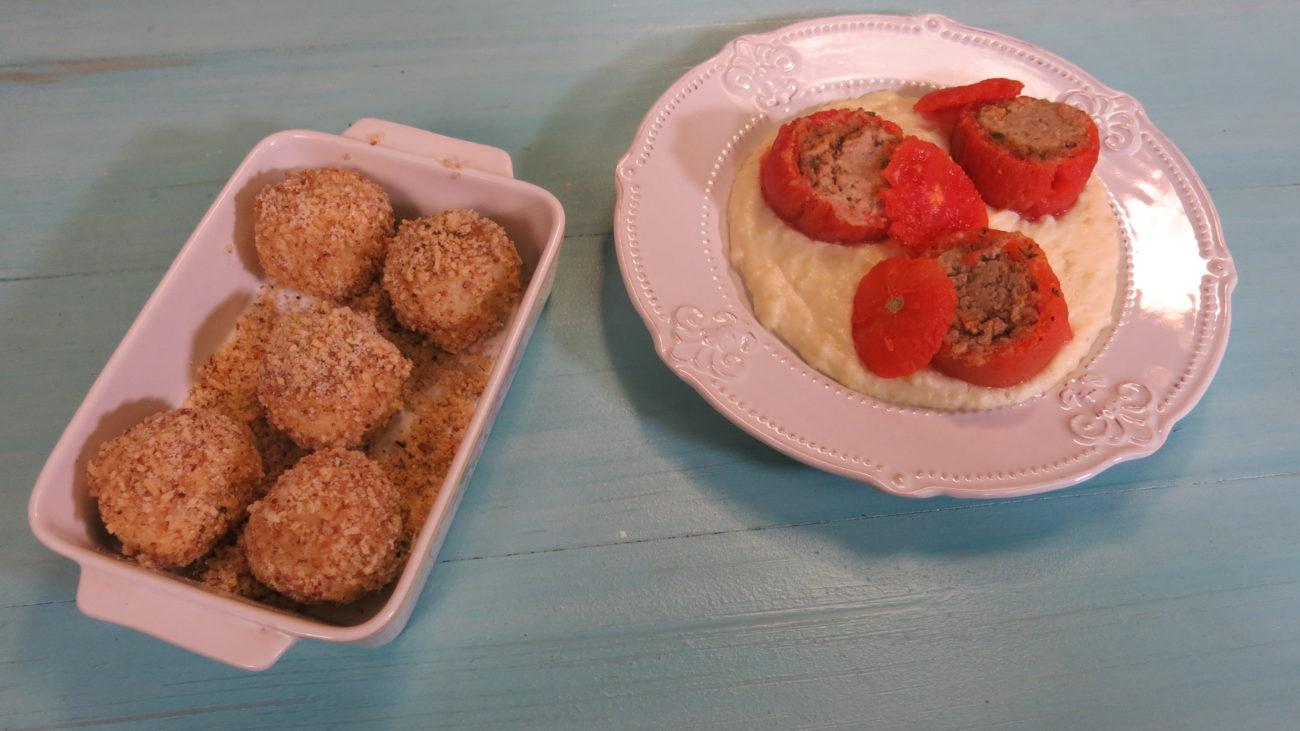 Punjeni paradajz, krompir pire, knedle od kuvanog testa