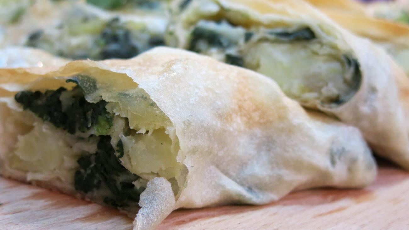Savijača od krompira i spanaća, kroketi od jagnjetine i povrće u umaku od sira