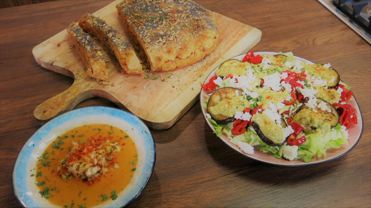 Hleb sa suvim mesom i ajvarom, supa od pasulja i bosanska salata od avokada