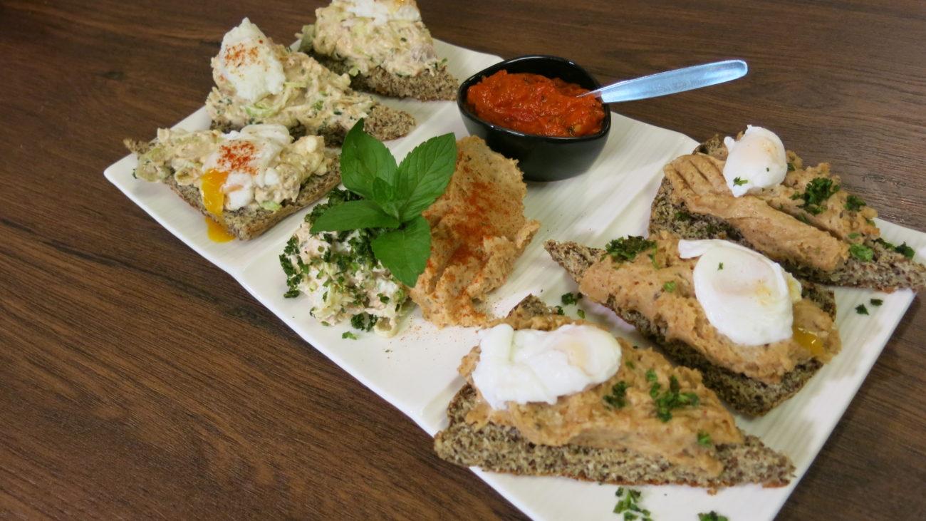 Hleb bez brašna, namaz od pasulja i kikirikija i Nedina salata od mladog luka