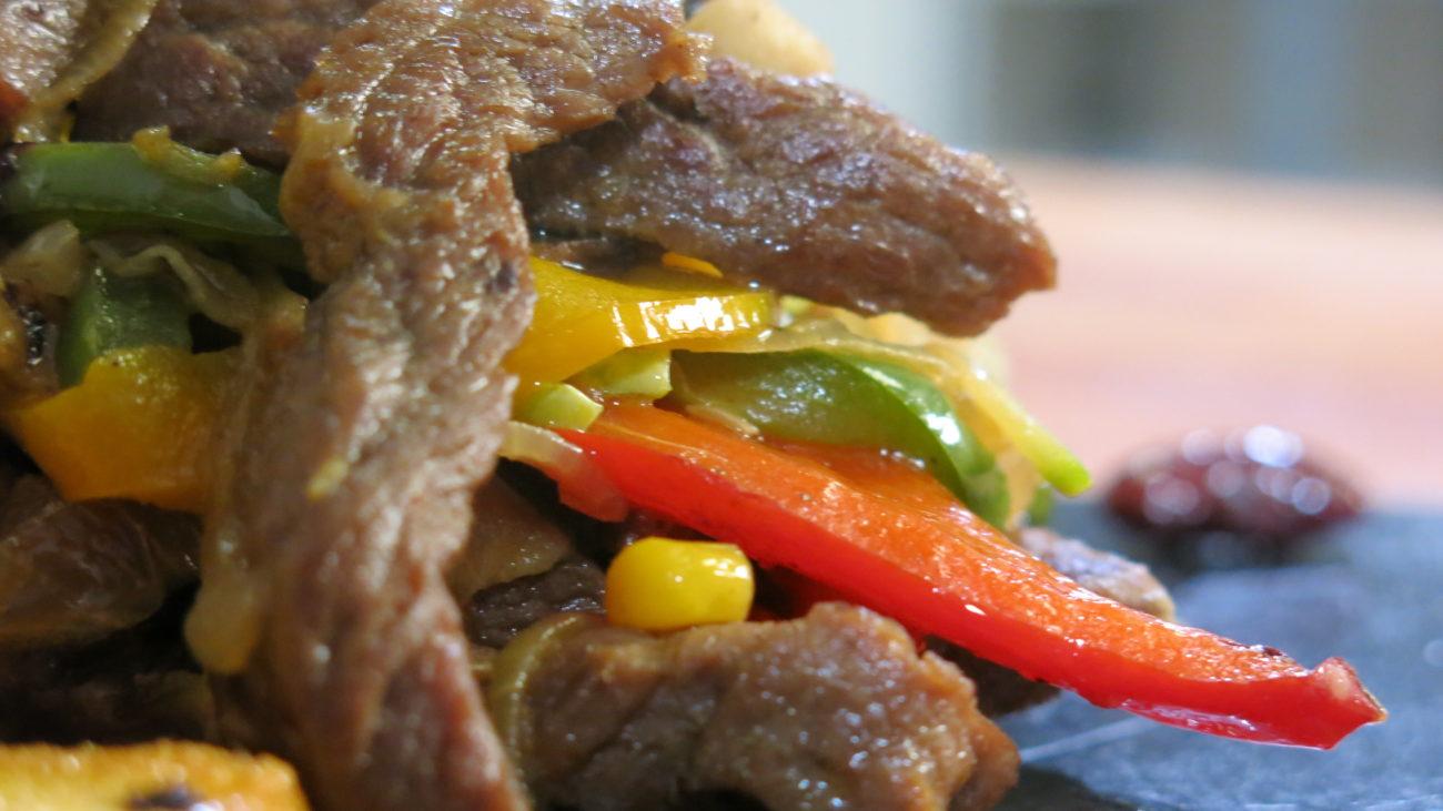 Biftek sa povrćem, tofu sir, pire od sočiva