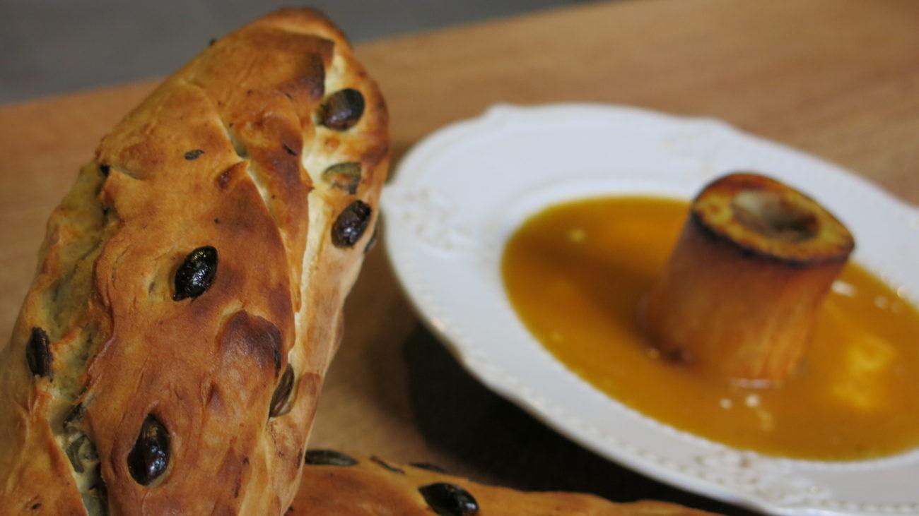 Čorba od pečenog batata i šargarepe uz baget sa golicom