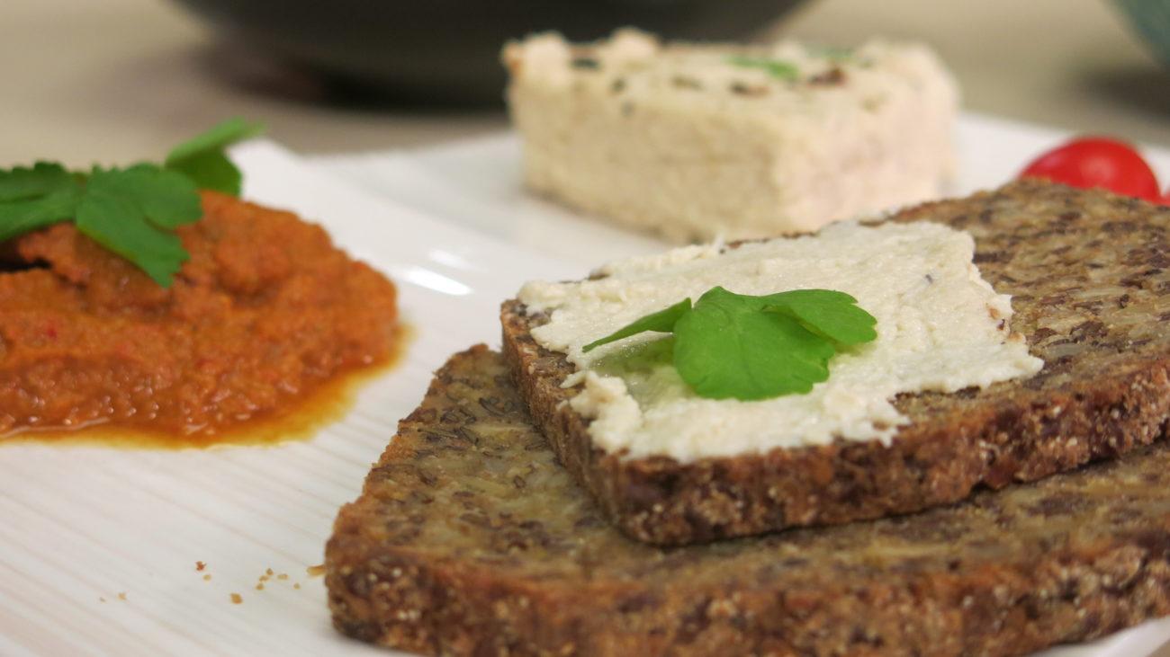 Domaće granole bez šećera, veganski sir od indijskih oraha, fantastičan sirovi ajvar