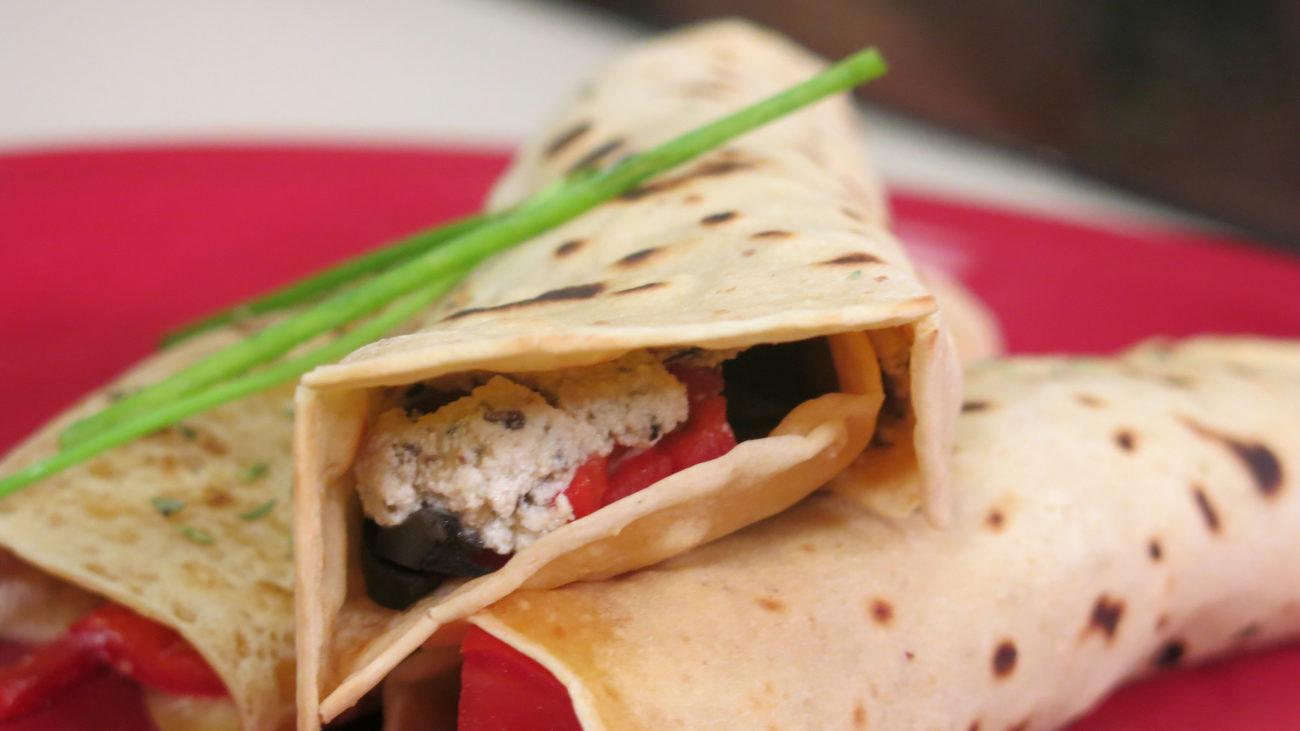 Posna proteinska torta, bezglutenska tortilja, kajgana bez jaja i glutena, namaz od tofu sira
