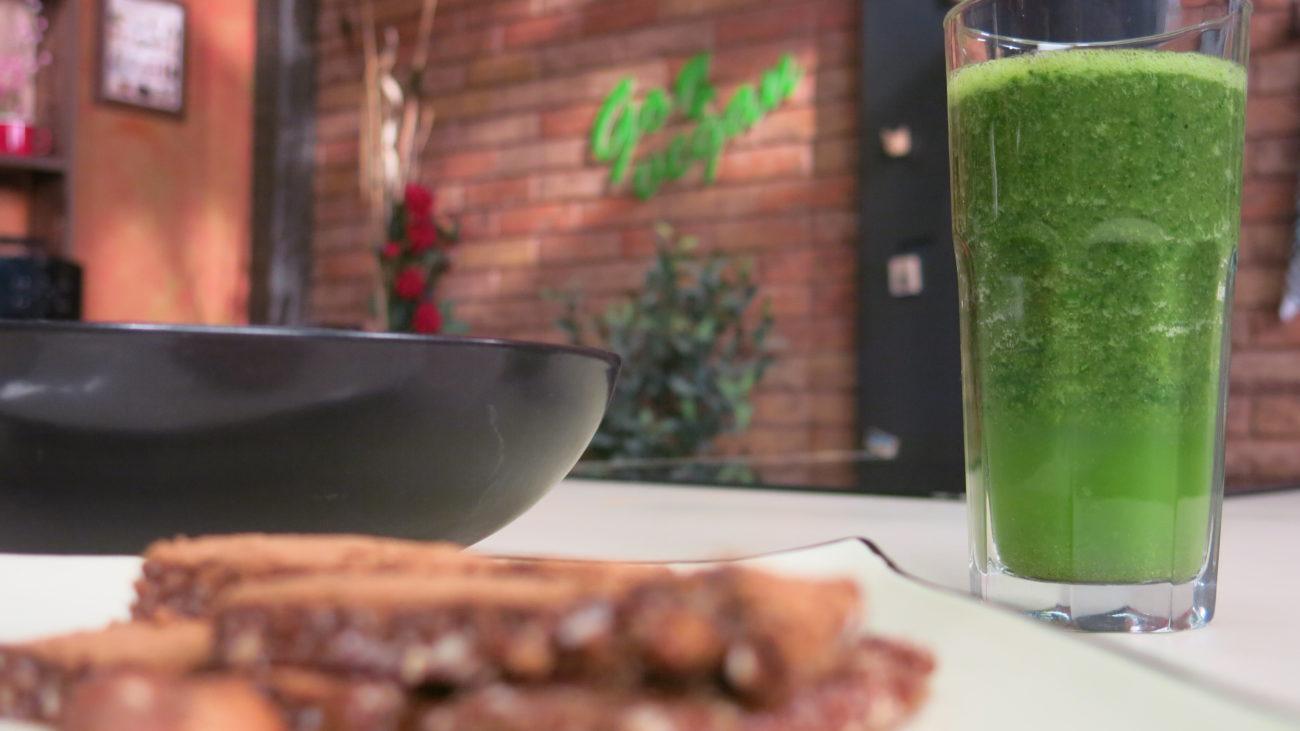 Štanglice od rogača i oraha, zeleni šejk od spanaća, brza supa od portobelo pečuraka