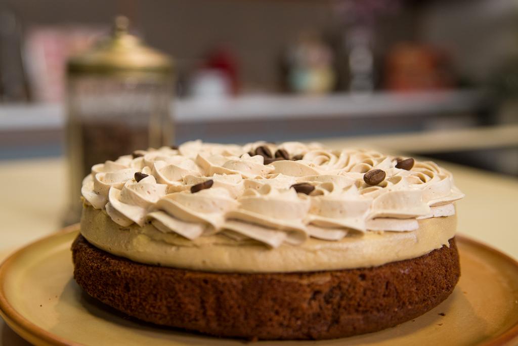 Kremasti kolač sa tri vrste kafe