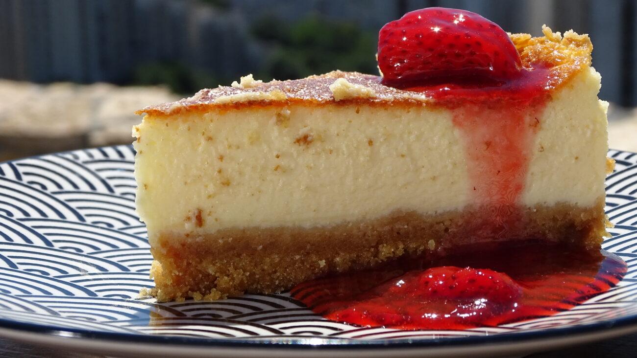 New York cheese cake, sos od jagoda